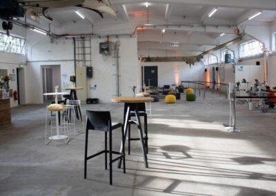 Catering- + Loungebereich | Akkreditierung